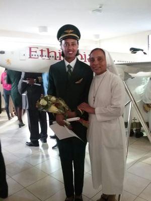 luam pilota Ethiopian Airlines orfana educata ad Adwa da Suor Laura