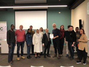 FICO: Dott. Caccioni, i 7 Corsisti, il Prefetto Andrea Vaccari, il Socio Mario Pantano e i ragazzi del Rotaract